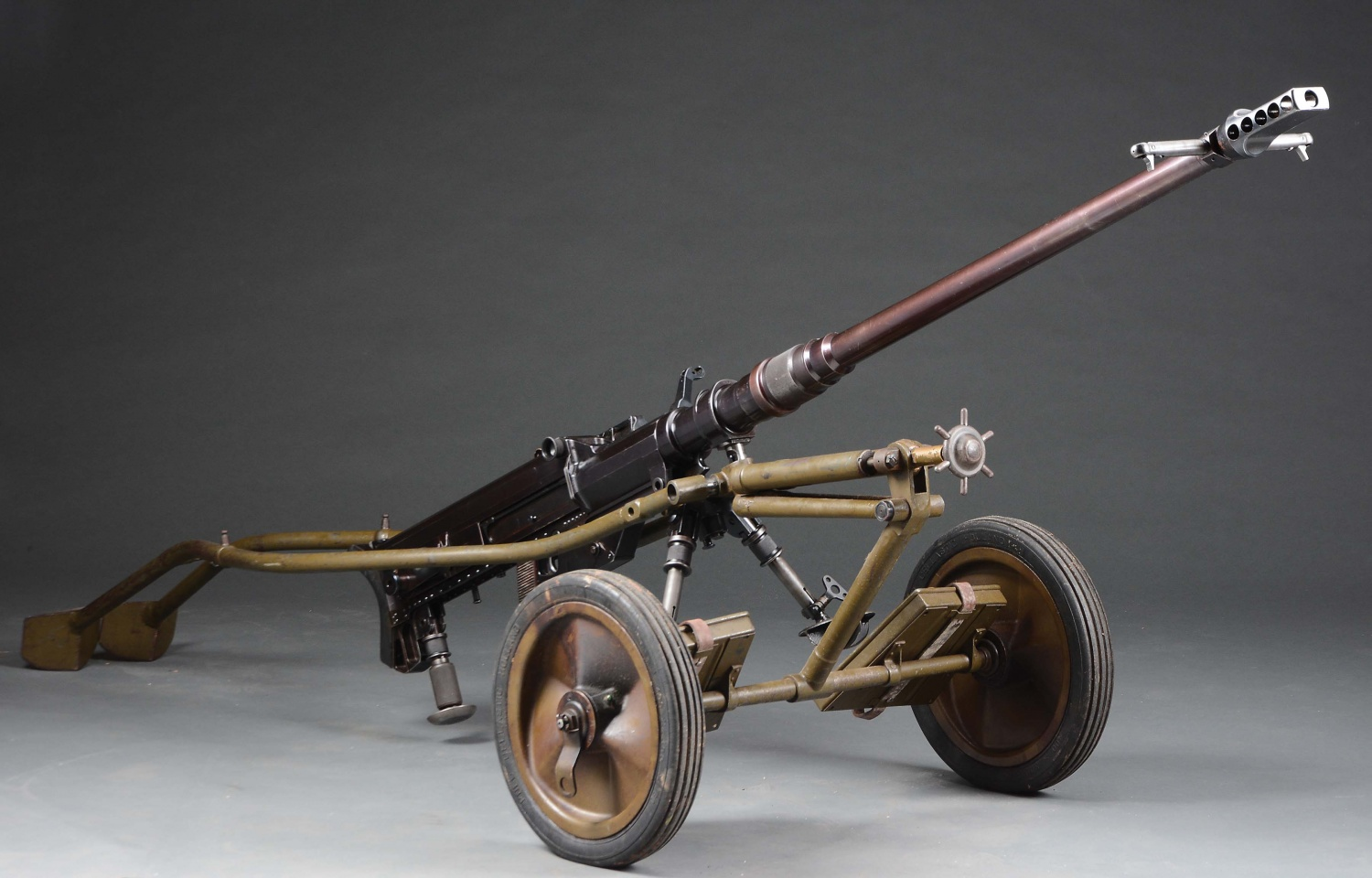 7 Historical Anti-Tank Weapons Seen in MORPHY Auctions Catalog - SOLOTHURN 1