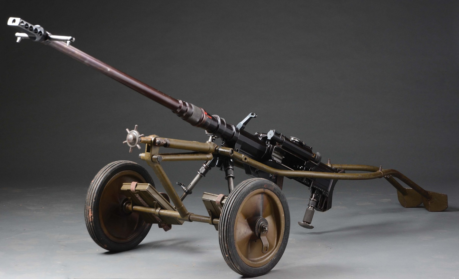 7 Historical Anti-Tank Weapons Seen in MORPHY Auctions Catalog - SOLOTHURN 2