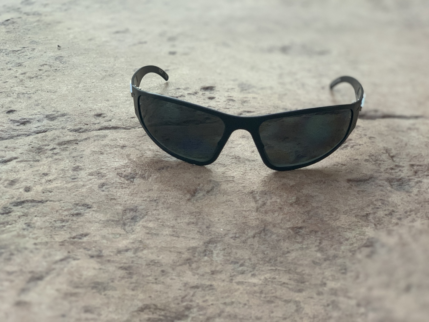 The Wraptors have a more tapered shape and the frame wraps around your face.