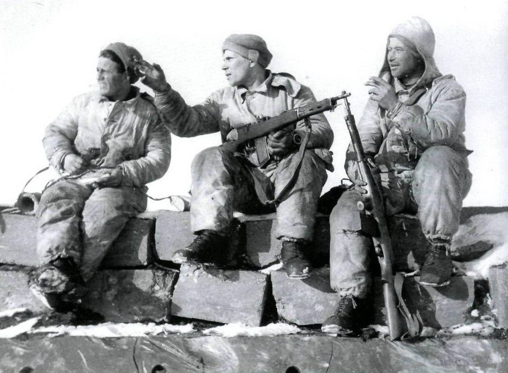 "The only known photo of Fedorov battle rifle ""in action"" was taken during the Winter War"