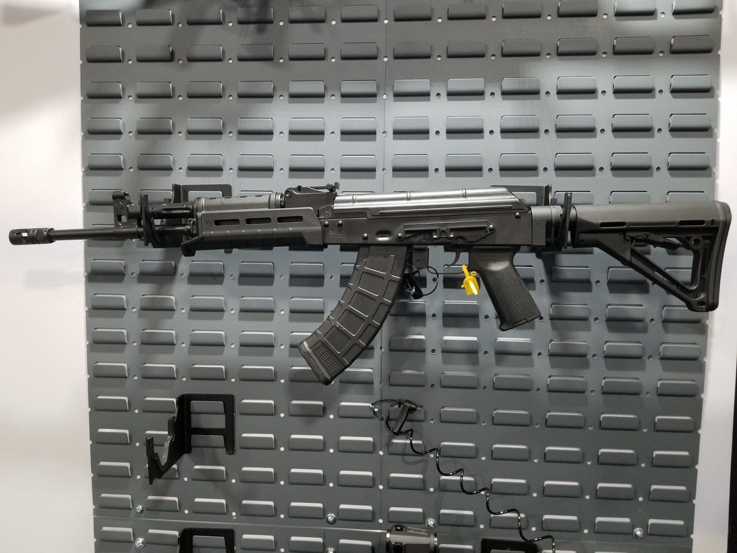 AK-E prototype chambered in 7.62x39