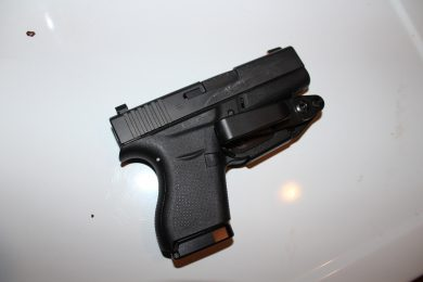 VanGuard 2 and Glock 43 on a white background