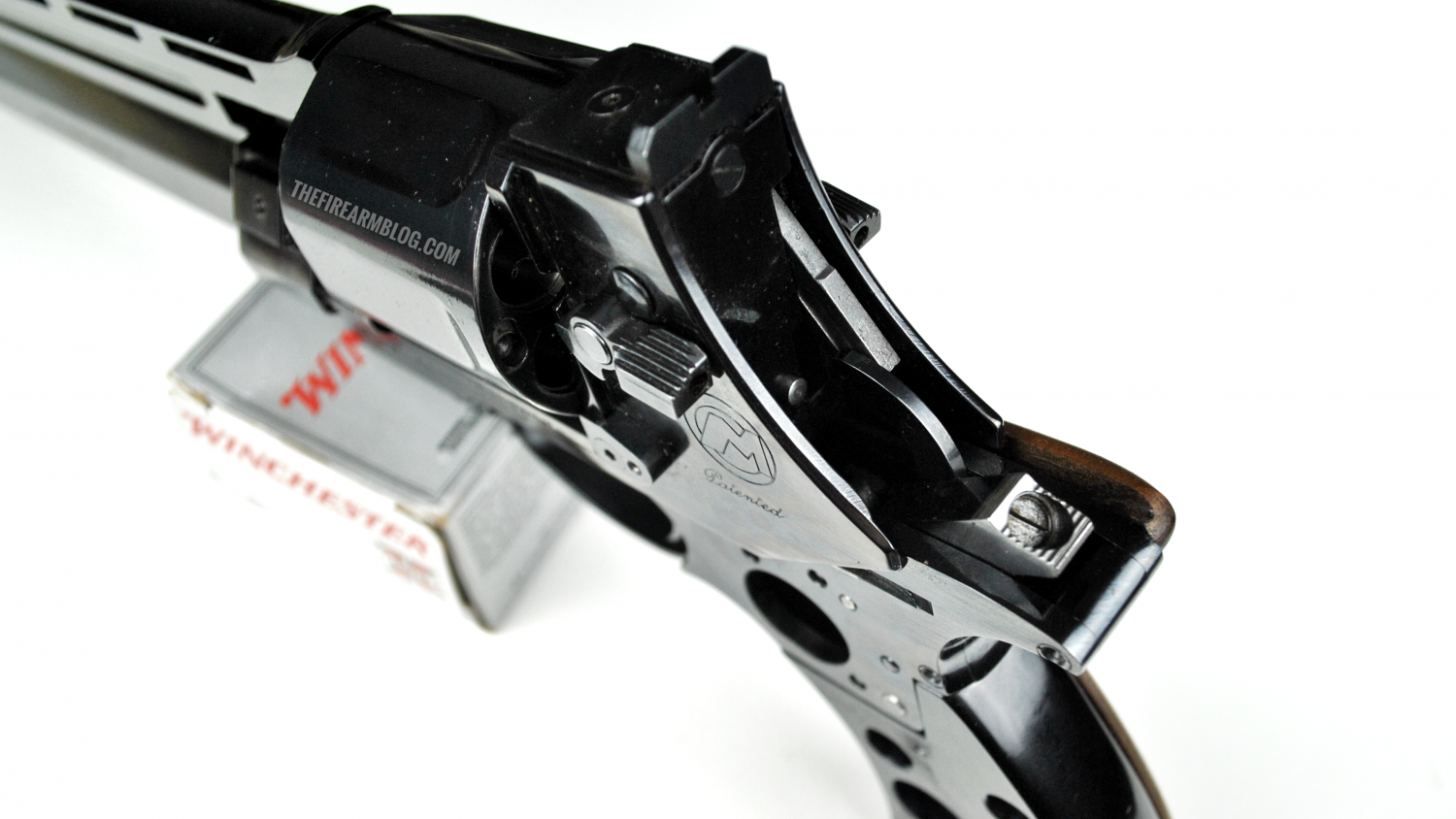 MATEBA Autorevolver .454, details of the mechanical elements controlling the cycle.