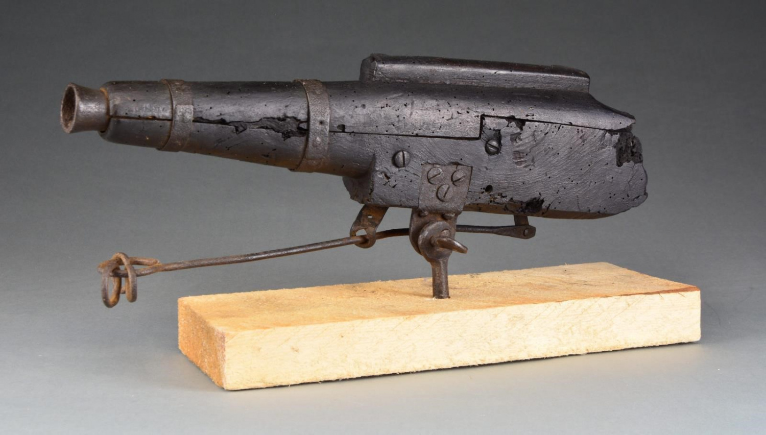 Spring 2020 POULIN Firearms Auction - Cemetery Gun (2)
