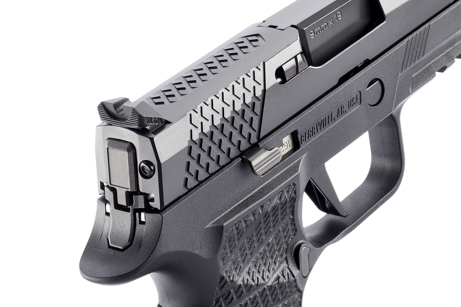 WCP320 CARRY Pistol by Wilson Combat and SIG Sauer (3)