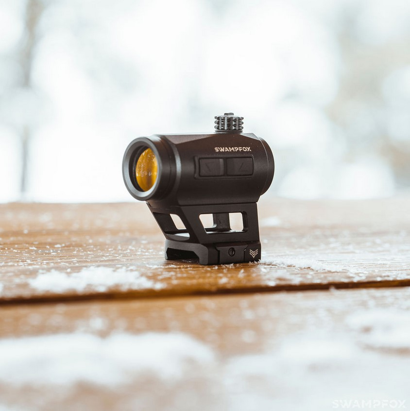 The sight comes with two mounting options, including a low-profile version and the absolute co-witness height mount pictured here.