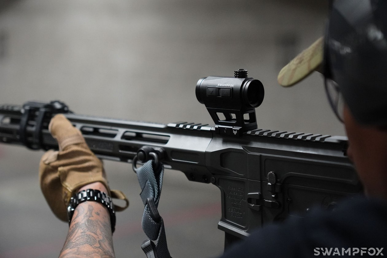 This optic is relatively easy on the wallet with its $189.99 MSRP, a $40 increase over then gen 1 version..