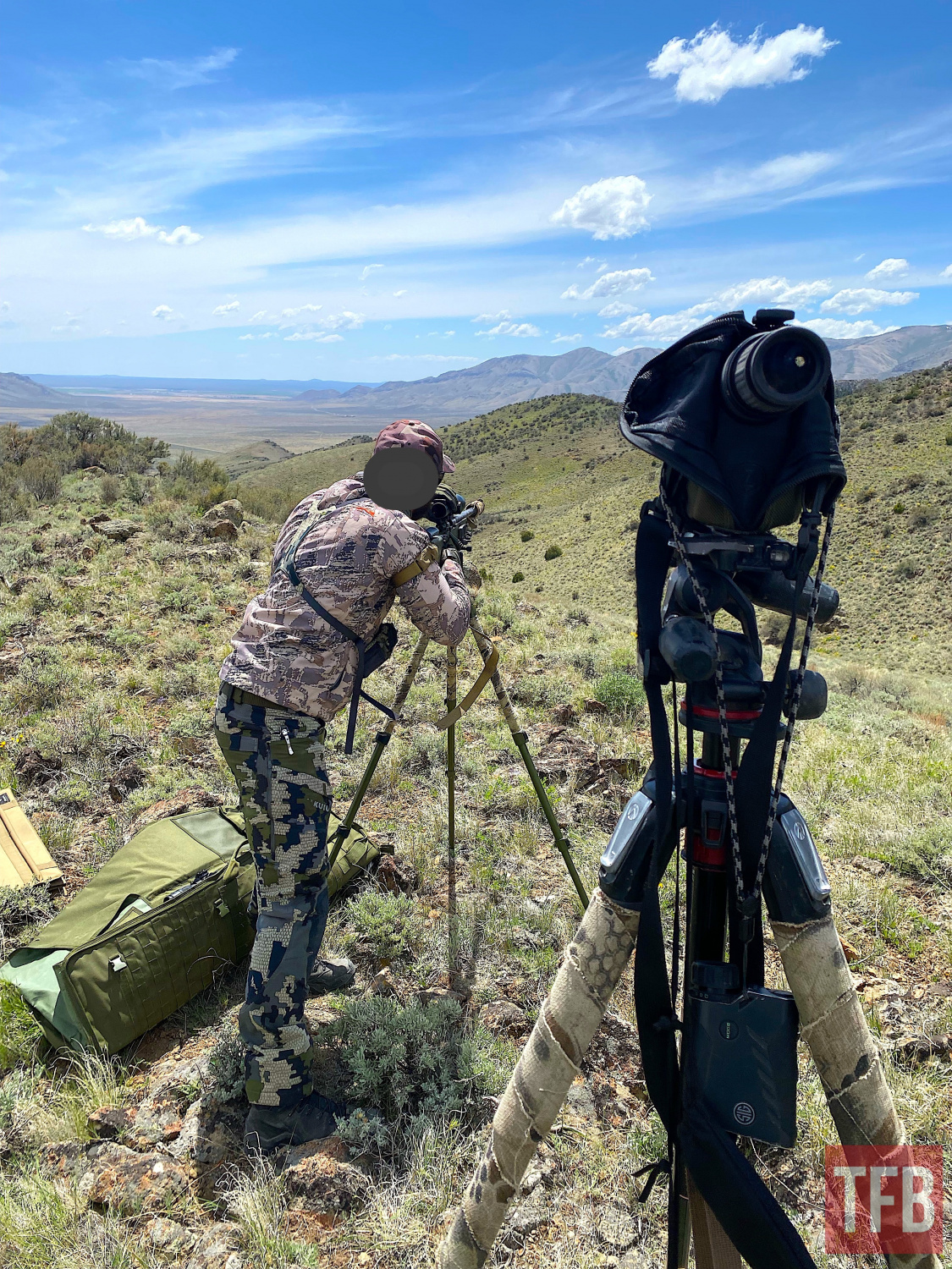 The author getting used to the standing technique while making hits at 600 yards in 20-30mph 1/2 value winds